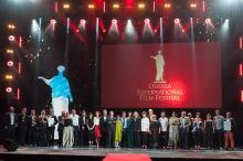 Закрытие Одесского кинофестиваля: раздача Золотых Дюков, шутки от Жванецкого и Ефросининой